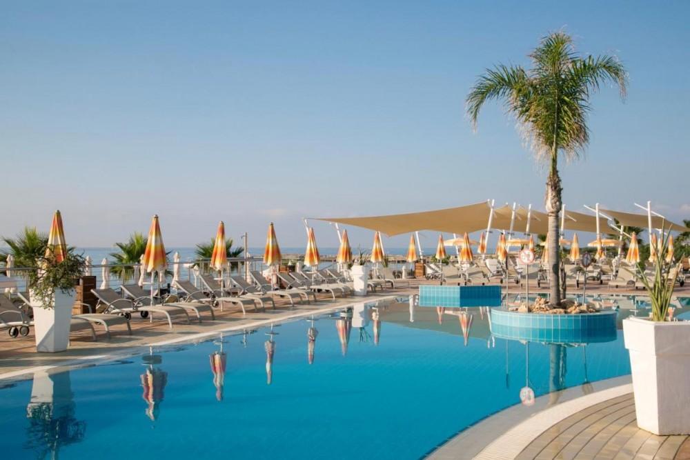 Asterias Beach Hotel 4* - Aja Napa