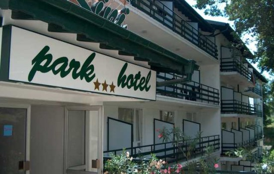 Hotel Kini Park 3* - Zlatni Pjasci leto 2020