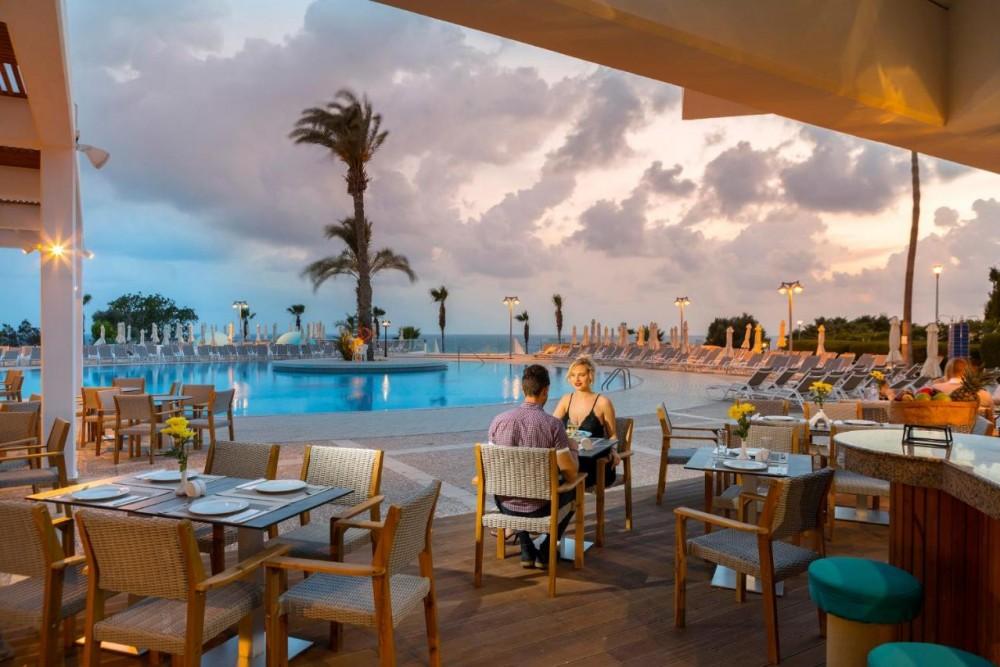 Leonardo Laura Beach and Splash Resort 4* - Pafos